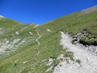 L'inizio del tratto non ciclabile - causa eccessiva pendenza (e fondo) - del sentiero per il Colle della Rho