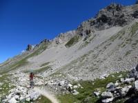 Il sentiero che conduce al Colle di Valle Stretta