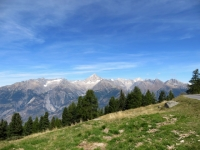Salita a Buerchneralp, vista sul Bietschhorn e l'attigua catena alpina