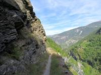 Il sentiero che corre parallelo alla Matterhornbahn per riportarsi a Stalden