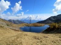 Il piccolo lago Alpino nella conca di Monscera