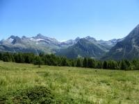 Panoramica sui rilievi dell'Alta val d'Ayas orientale visti dall'Alpe di Metsan