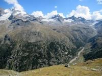 Gran Paradiso (4.061 - sx), Ciarforon (3.642 - centro) e vallone di Seyvaz (dx)
