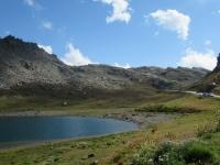Lago del Nivolet - sullo sfondo la strada che porta al Colle del Nivolet