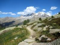 Percorrendo il sentiero che attraversa i Piani del Nivolet - vista sul Gran Paradiso