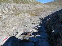 La scalinata tra le rocce da percorrere dopo il Märjelensee