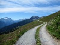 Il bel traverso che porta all'interno della  Val da Larisch