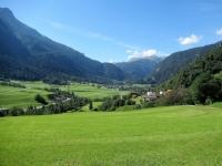 La Val Schons con l'abitato di Andeer sullo sfondo