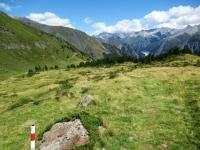 Il sentiero che scende alla Capanna Bovarina