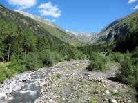 La Val Camadra solcata dal torrente Brenno della Greina