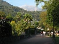 Ciclabile pedonale alle porte di Locarno lungo il Lago