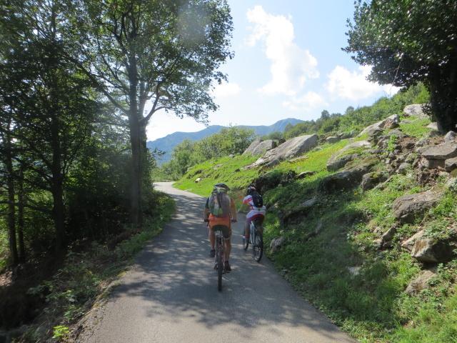 Salita in direzione della Alpe Frasmatta