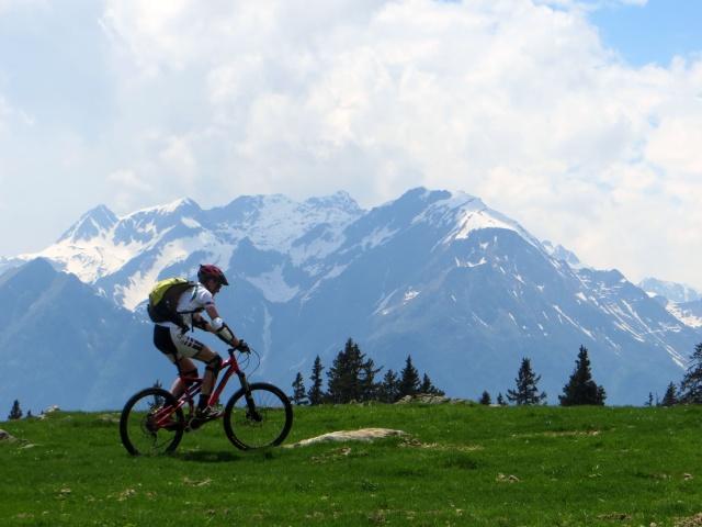 Pedalando sull'Alpe