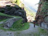 Passaggio nella Gola del Monte Piottino