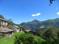 Il Monte Tamaro visto dall'abitato di Cangili di Biegno