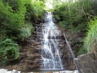 Prima bella cascata percorrendo lo sterrato che collega Tengia con Quadréda