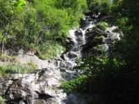 Seconda bella cascata percorrendo lo sterrato che collega Tengia con Quadréda