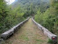 Antico ponte di Pietra sul torrente Mastallone nelle vicinanze di Barattina