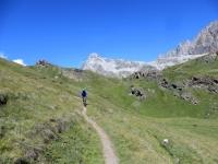 Il sentiero che collega l'alpe Lombardin con l'alpe Balme de Bal