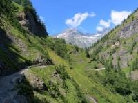 Salita per l'Alpe Veglia, tratto in saliscendi prima dell'ingresso alla piana dell'Alpe