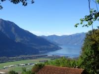 Salita ai Monti di Motti - Scorcio del Piano di Magadino e dell'Alto Lago Maggiore