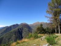 Monti di Motti - vista su Cimetta, Cima della Trosa e Madone
