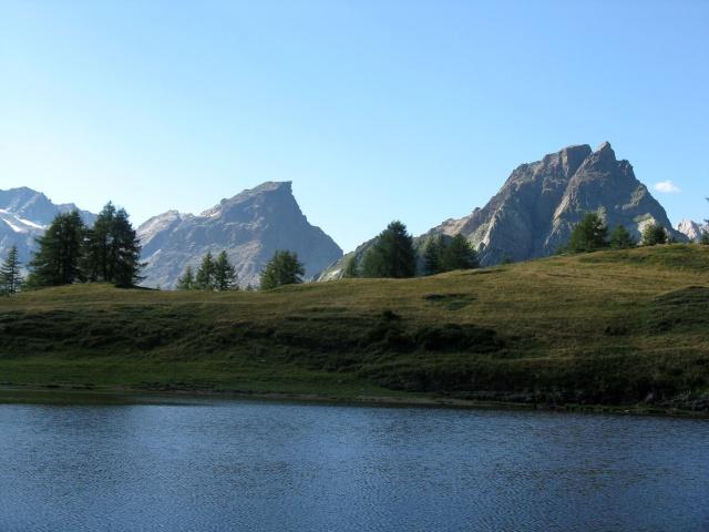 Nei pressi dell\'Alpe Sangiatto - lago alpino