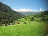 Bel paesaggio che si incontra viaggiando in treno in direzione di Davos
