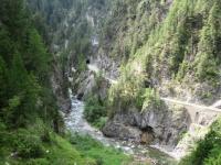 Alps Epic Trail Davos - La gola del torrente Landwasser con il passaggio nei tunnel (gola di Zügen)