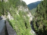 La stretta gola del torrente Landwasser  (gola di Zügen)