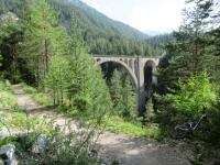 Alps Epic Trail Davos - Passaggio sotto il Wiesen Viadukt