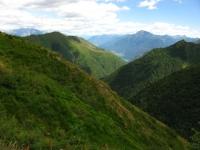 Panorama sulla Valle Albano, sullo sfondo l'Alto Lago di Como ed il Monte Legnone