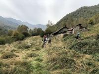 Arrivo all'Alpe Piana dei Lavaggi al termine del difficile sentiero F6