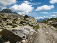 Sterrato in direzione dell'Oberalppass