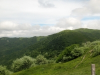 Panorama sul Monte Chiappo e sul percorso in cresta