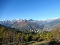 Panorama sull'alta Val di Susa con Sauze d'Oulx in primo piano