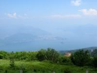 Panorama sul golfo Borromeo del Lago Maggiore dalla sommità del Mottarone