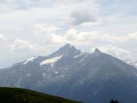 La  Grivola ed il Grand Nomenon dall'alpe Tsa de la Comba