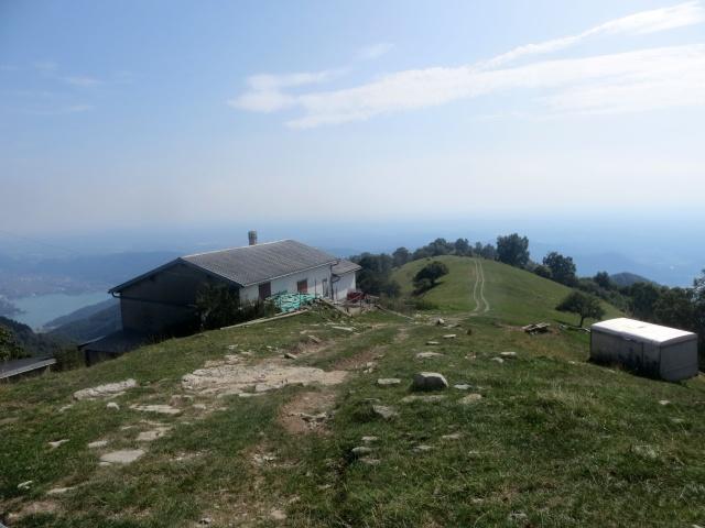 Panoramica discesa nello alpeggio di Pra Piano