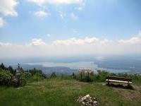 Panorama dal Forte di Orino - Il lago di Varese in primo piano