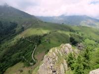 Dalla sommità del Monte Calvo - vista su Pian delle Nere e sulla strada di salita