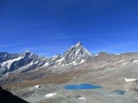 Fantastico panorama sui Laghi delle Cime Bianche, Cervino e Grandes Murailles