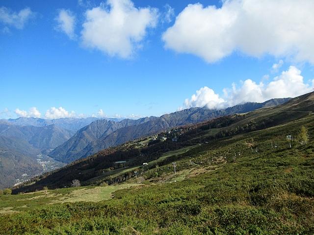 L\'Alpe di Mera pedalando in direzione della Sella di Ovago