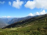 L'Alpe di Mera pedalando in direzione della Sella di Ovago