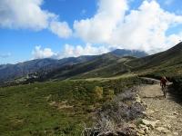 Il tratto della Ciclabile in quota - Alpe di Mera sullo sfondo