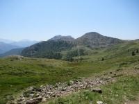 In direzione del Col de Granon - Panorama sui pascoli del vallone che lo precede e sulla Grand Meyret