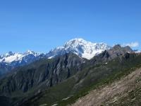 Panorama dal Col Fetita sul massiccio del Monte Bianco - Sulla sinistra Aiguille des Glacier (3.816), Aiguille de Tré la Tête (3.930), sulla  destra la vetta principale (4.748)