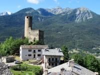 Il villaggio di Chatelau ed il  suo castello Chatelard