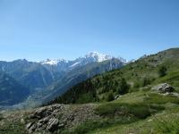 Sentiero per il Col du Bard - Panorama sul Monte Bianco e sull'alta Valle d'Aosta