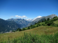 Bel panorama sull'Alta valle con sfondo sul Monte Bianco